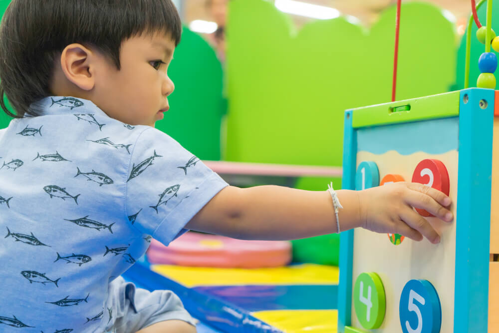5 Tricks to Teach Numbers to Your Toddler